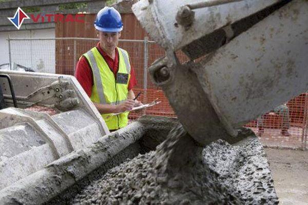 Lưu ý khi đổ bê tông tươi để tránh các vết nứt