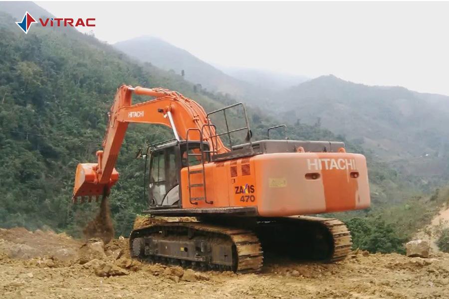 hình ảnh vận hành máy xúc đào